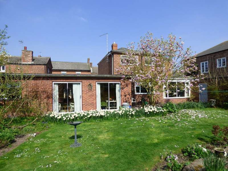 4 Bedrooms Detached House for sale in High Street, Gosberton