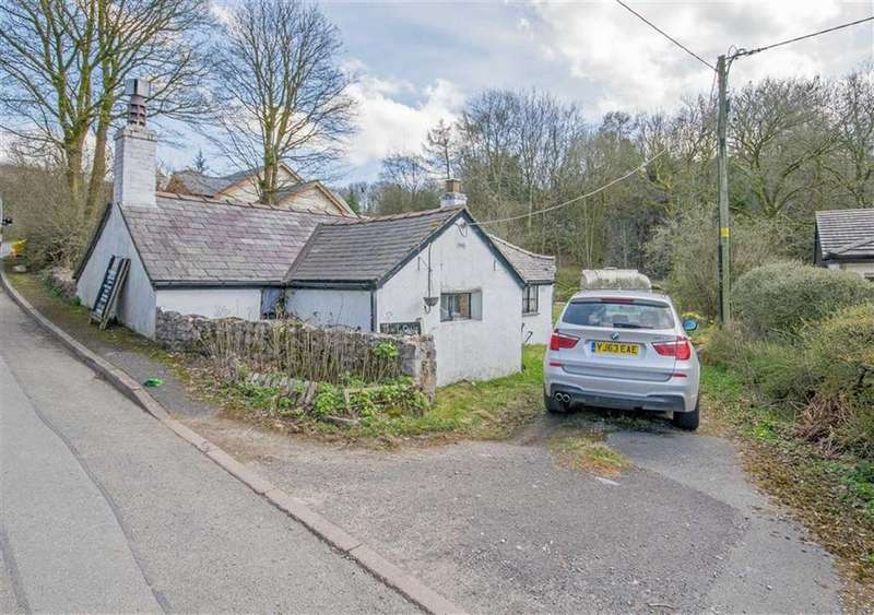 2 Bedrooms Cottage House for sale in Village Road, Maeshafn, Mold