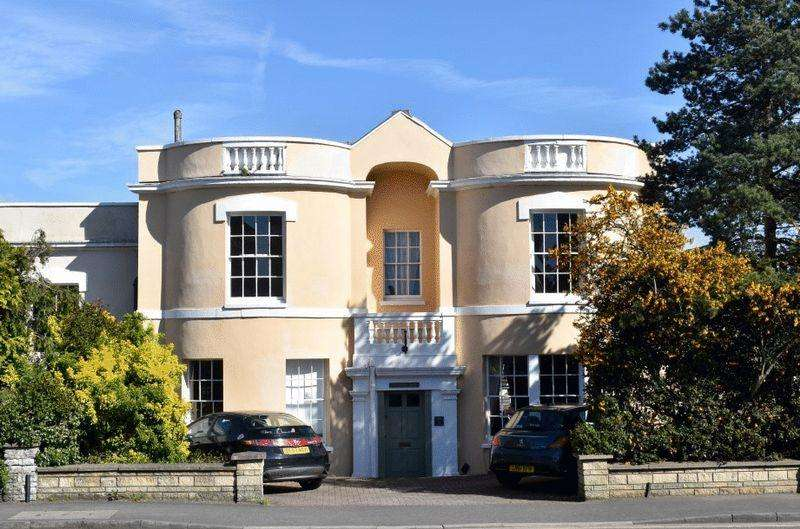 5 Bedrooms Terraced House for sale in Ashley Down Road, St Andrews