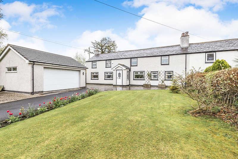 4 Bedrooms Semi Detached House for sale in Leyland Lane, Leyland, PR25
