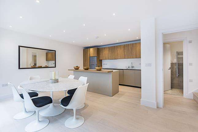 2 Bedrooms Flat for sale in Apt 4 Trinity Lofts, County Street, London, SE1 4AD