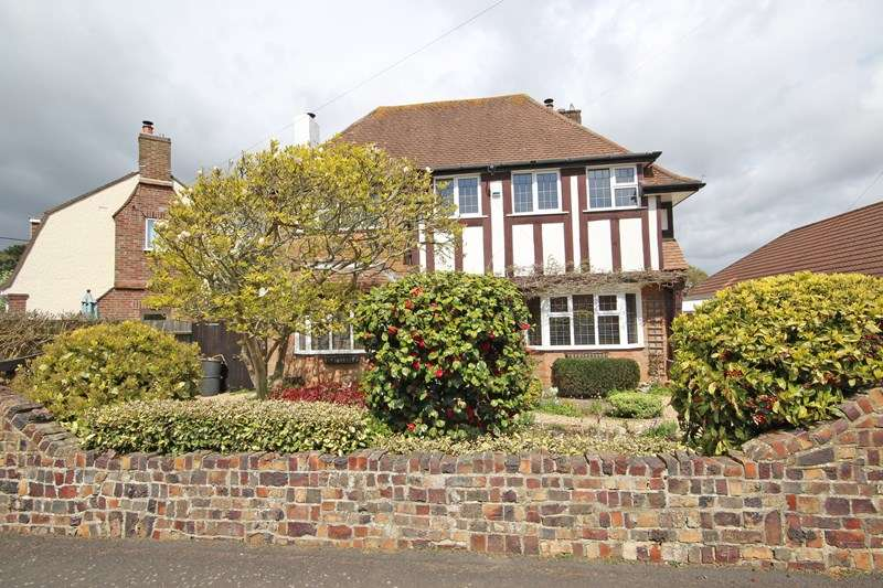 4 Bedrooms Detached House for sale in Naish Road, Barton On Sea, New Milton