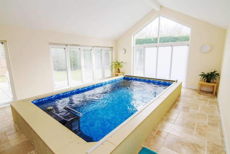 4 Bedrooms Detached House for sale in The Alders, Llanyravon, Cwmbran