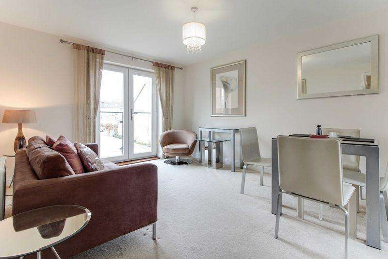 2 Bedrooms Apartment Flat for sale in Waterland, St Neots