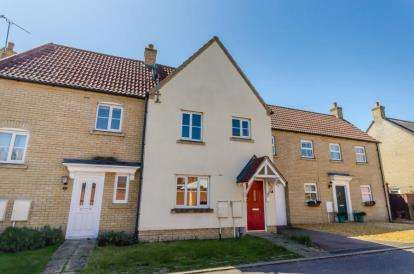 3 Bedrooms Terraced House for sale in Ely
