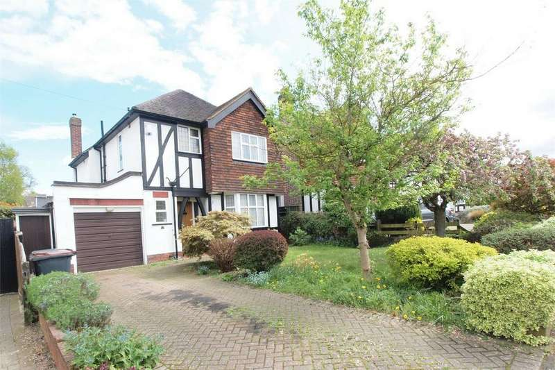 3 Bedrooms Detached House for sale in Woodland Way, West Wickham, Kent