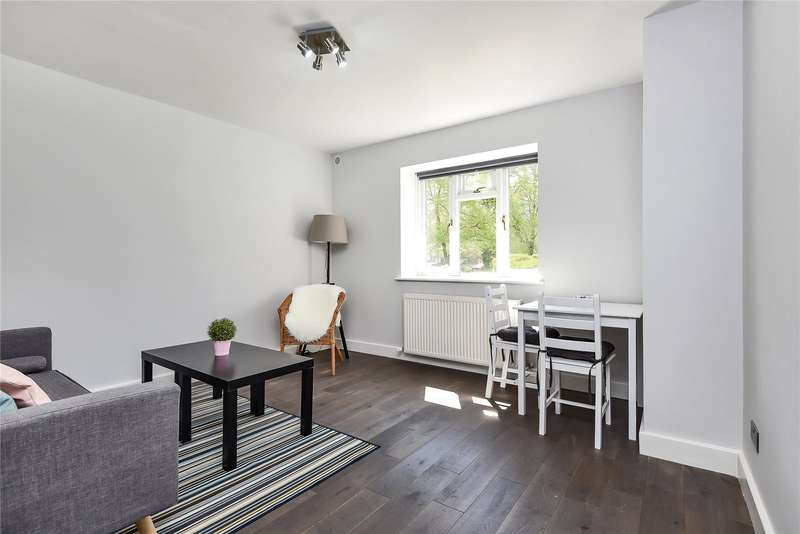 1 Bedroom Flat for sale in The Hollies, Oakleigh Park North, Whetstone