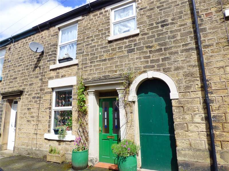 3 Bedrooms Terraced House for sale in Charles Street, Glossop, SK13
