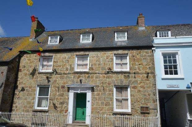 4 Bedrooms End Of Terrace House for sale in Coinagehall Street, Helston, Cornwall