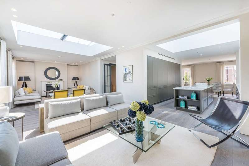 3 Bedrooms Flat for sale in Pembridge Crescent, Notting Hill, W11