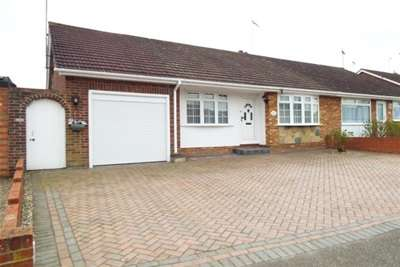 3 Bedrooms House for rent in LONG RIDINGS - HUTTON