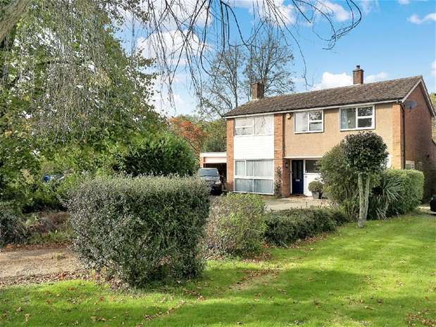 4 Bedrooms House for rent in Ambrose Lane, Harpenden