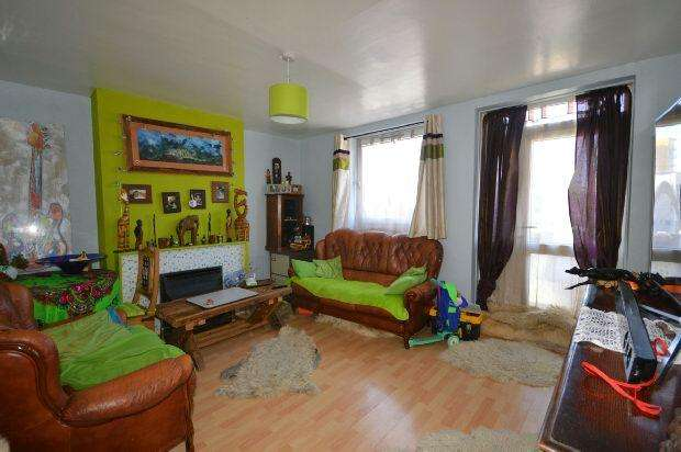 2 Bedrooms Flat for sale in Belton Way, Bow, E3