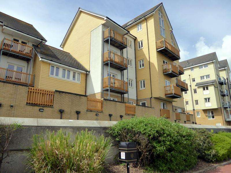3 Bedrooms Apartment Flat for rent in Rivermead, St Marys Island, Chatham ME4