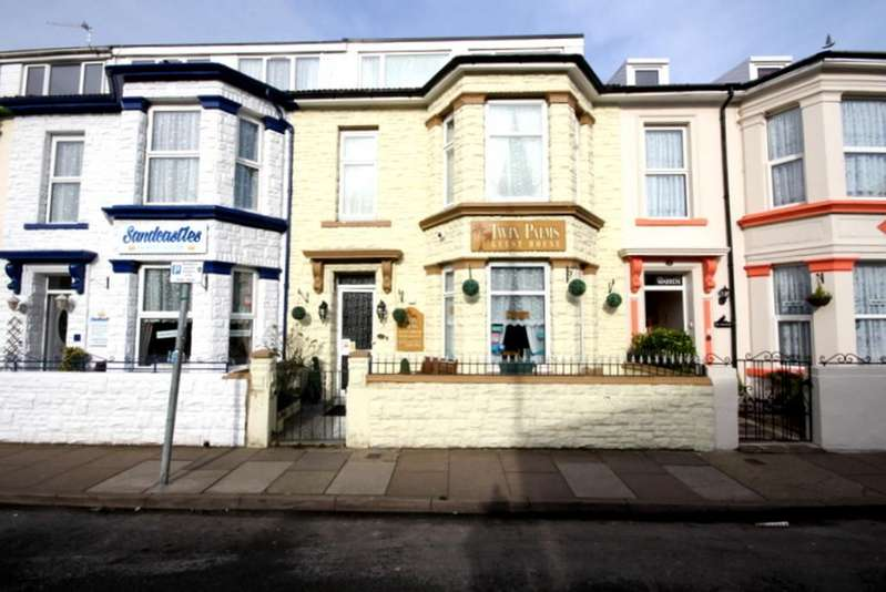 7 Bedrooms Terraced House for sale in Trafalgar Road, Great Yarmouth