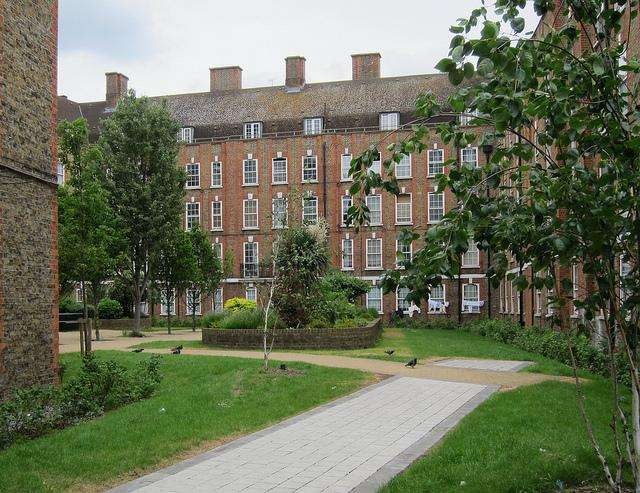 2 Bedrooms Apartment Flat for sale in Brune House, Bell Lane, Shoreditch, E1