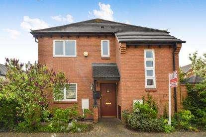 3 Bedrooms Detached House for sale in Cadeby Court, Broughton, Milton Keynes, Buckinghamshire