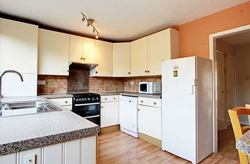 4 Bedrooms Property for rent in Wellington Road, Enfield