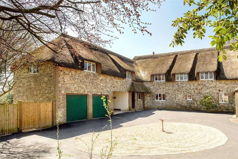 5 Bedrooms Detached House for sale in Crossways, South Chard, Chard, Somerset, TA20
