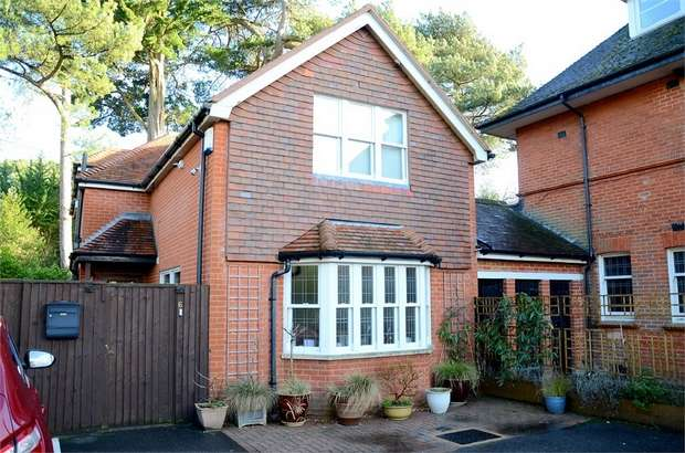 3 Bedrooms Detached House for sale in West Overcliff Drive, West Cliff, Bournemouth