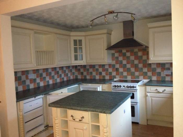 3 Bedrooms Semi Detached House for rent in Lindon Close, Lymm