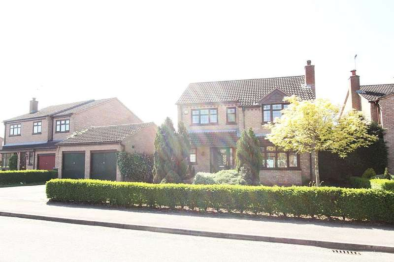 4 Bedrooms Detached House for sale in Whirlow Road, Crewe, Cheshire, CW2 6SR