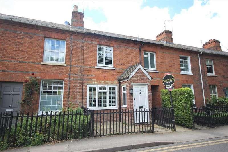 3 Bedrooms Terraced House for sale in School Lane, Wargrave, Reading