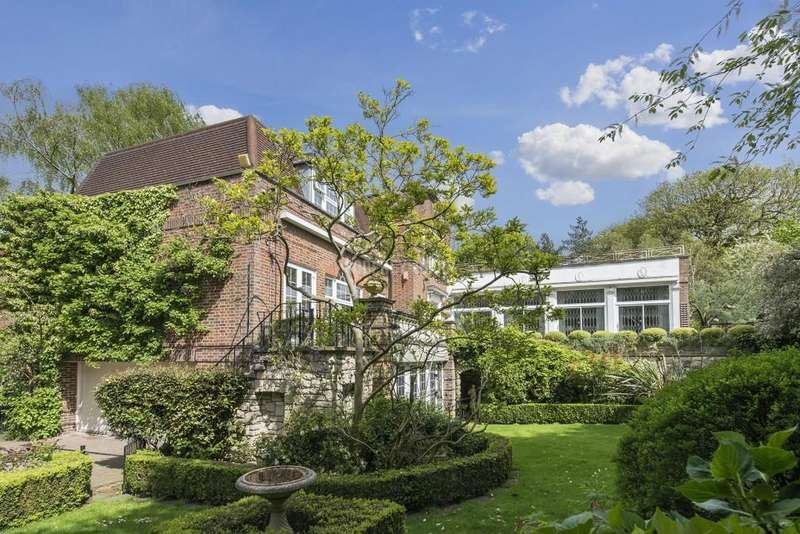 5 Bedrooms Detached House for sale in Canons Close, The Bishops Avenue