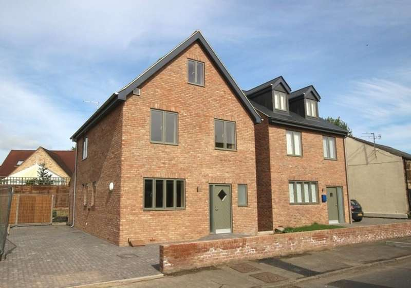 4 Bedrooms Detached House for sale in Cambridge Road, Ely