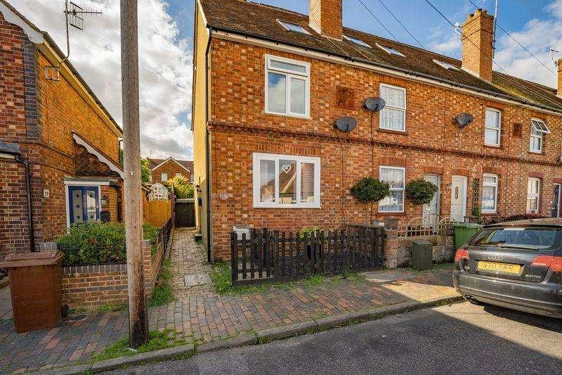 3 Bedrooms Terraced House for sale in Gordon Road, Tunbridge Wells