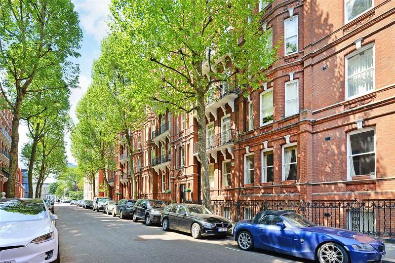 2 Bedrooms Flat for sale in Wetherby Mansions, Earl's Court Square, Earls Court, London, SW5