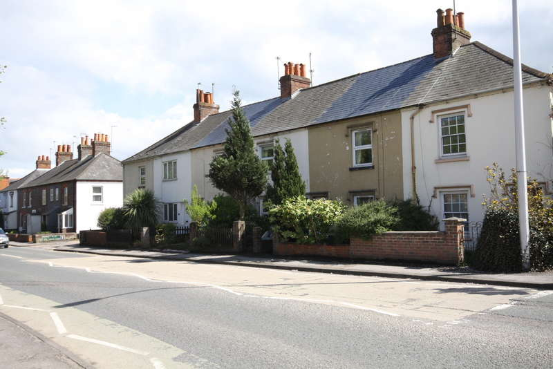 2 Bedrooms Terraced House for sale in St. Johns Road, Newbury
