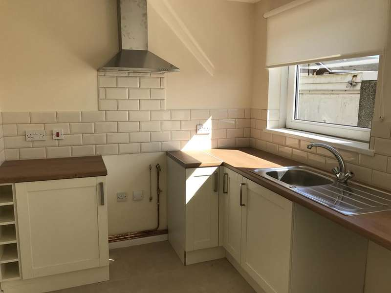 2 Bedrooms Semi Detached House for rent in Penllwynmarch Road, Gendros, SWANSEA
