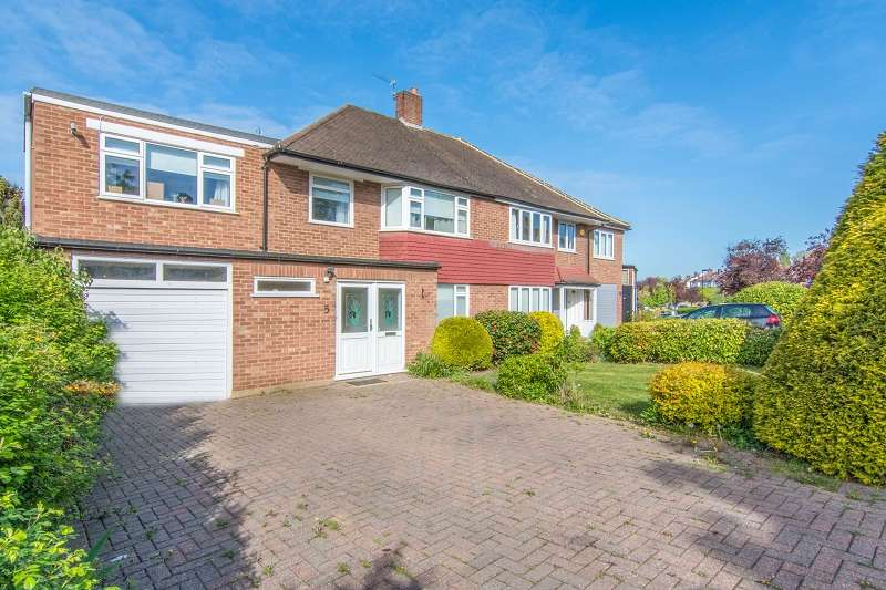 4 Bedrooms Semi Detached House for sale in Chandos Avenue, Southgate, London. N14