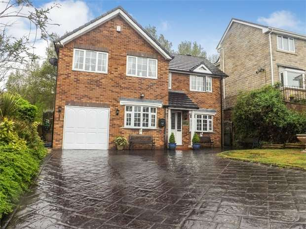 5 Bedrooms Detached House for sale in Simmondley New Road, Glossop, Derbyshire