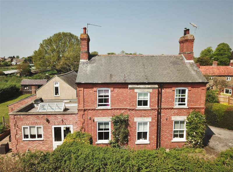 5 Bedrooms Detached House for sale in The Redhouse, Low Road, Barrowby, Grantham