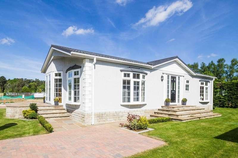 2 Bedrooms Park Home Mobile Home for sale in Puddledock Lane, Great Hockham