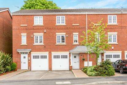 3 Bedrooms Terraced House for sale in Cravenwood Road, Reddish, Stockport, Cheshire