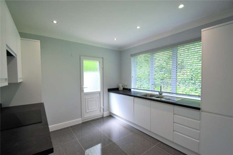 3 Bedrooms Detached House for rent in Riddlesdown Road, Purley
