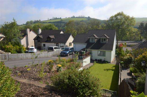 3 Bedrooms Detached House for sale in Dart Bridge Road, Buckfastleigh, Devon