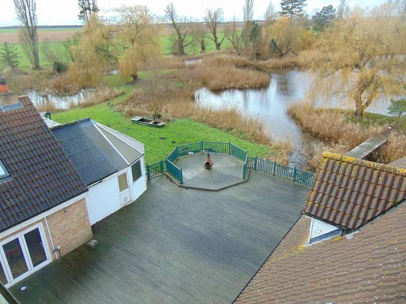 7 Bedrooms Detached House for sale in Old Bedford Bank, Welney, Wisbech, Cambs, PE14 9TB