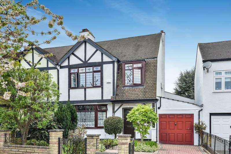 3 Bedrooms Semi Detached House for sale in Woodland Way West Wickham BR4