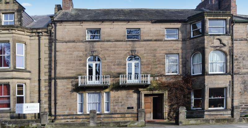 4 Bedrooms Town House for rent in Bondgate Without, Alnwick, Northumberland, NE66