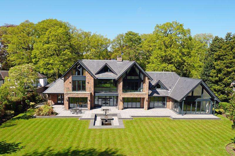 6 Bedrooms Detached House for sale in Fabulous contemporary house in beautiful one acre garden on Leycester Road, Knutsford