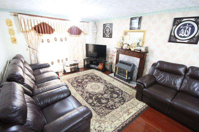 3 Bedrooms End Of Terrace House for rent in FALCON WAY, SINFIN