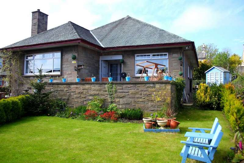3 Bedrooms Bungalow for sale in St Winnings Road, Kilwinning