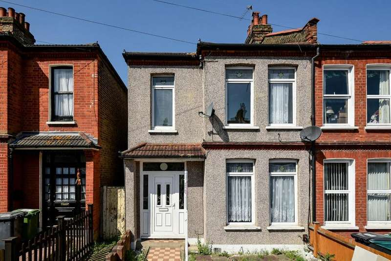 3 Bedrooms Semi Detached House for sale in Torridon Road, Catford