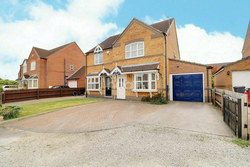 3 Bedrooms Semi Detached House for sale in Cadwell Close, Lincoln