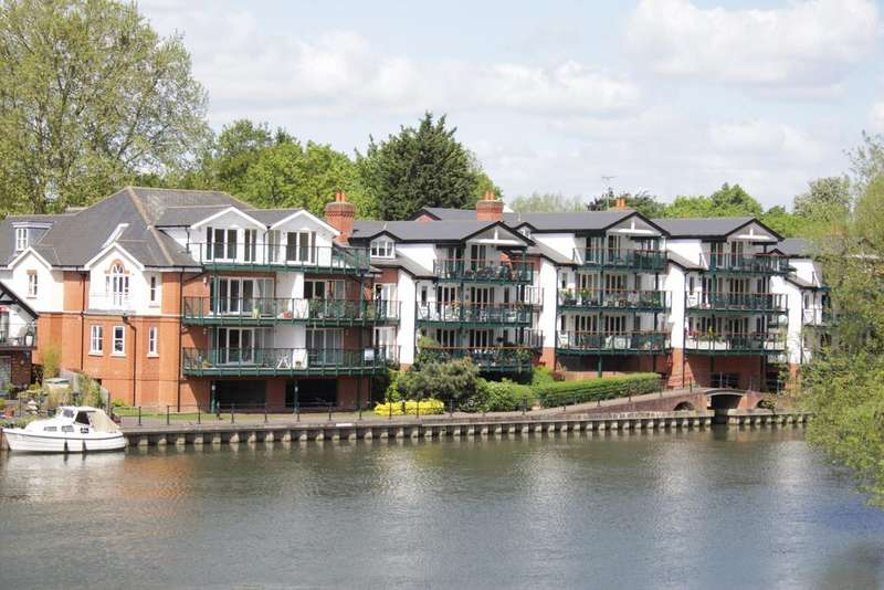 2 Bedrooms Duplex Flat for sale in Ray Mead Road, Maidenhead