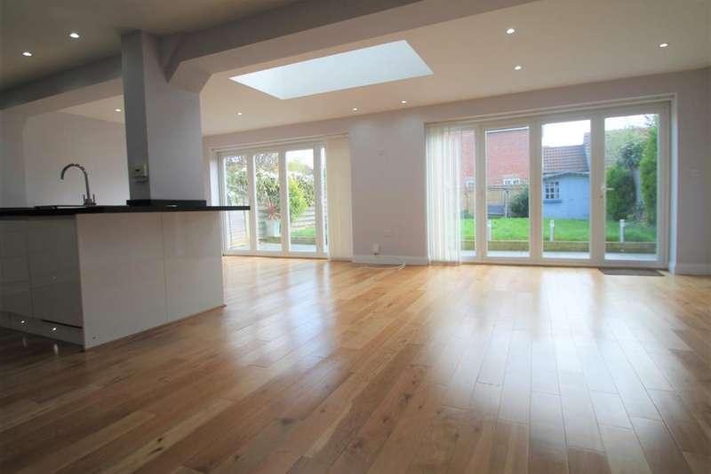 4 Bedrooms Detached House for rent in Lockham Farm Avenue, Maidstone, Kent, ME17 4SE